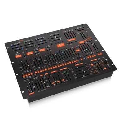 Полумодульный синтезатор Behringer 2600