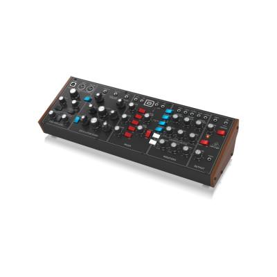 Синтезатор Behringer MODEL D